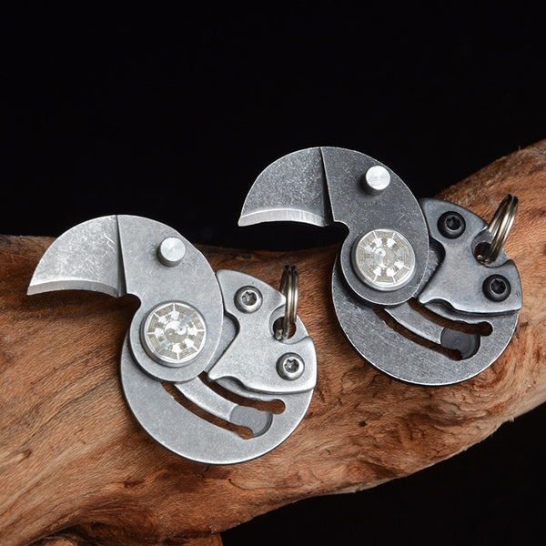 Mini Pocket Knives Outdoor Self-defense EDC Tools Coin Round Steel Folding Blade Knife Portable Gadget KeyRing Pendant Hand Tool
