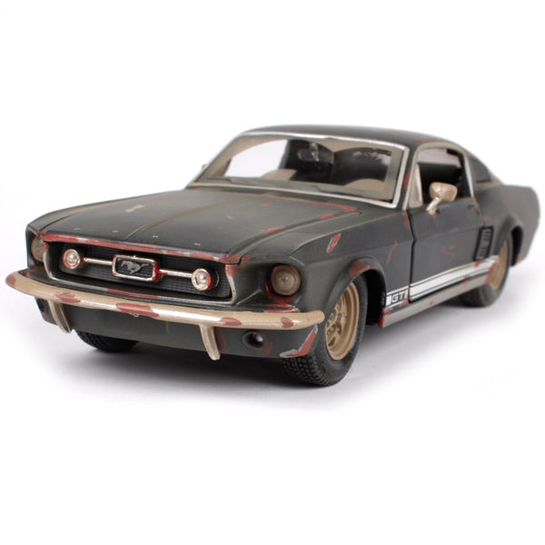 Maisto 1:24 1967 Mustang GT-mud version car diecast 195*75*55 metal car toy model old motorcar collecting version for men 32142