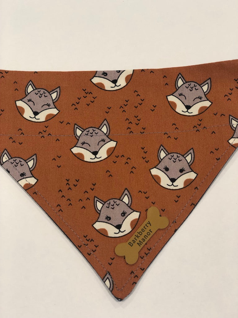 Foxy Bandana | Barkberry Manor