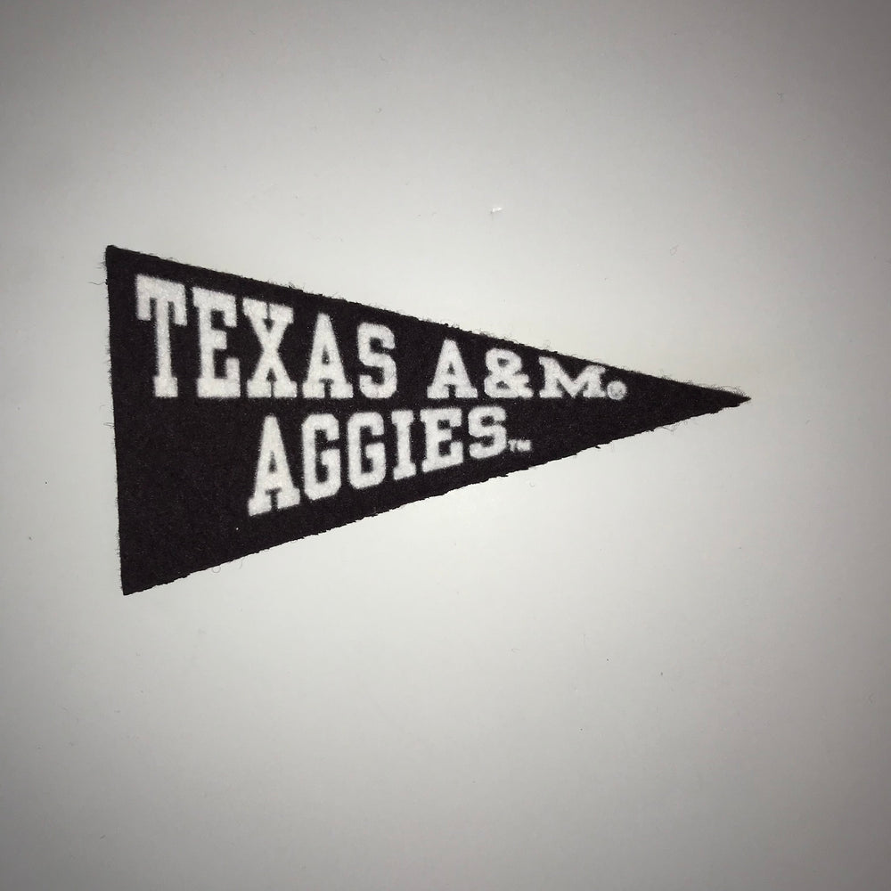 "Texas A&M Aggies 4.5"" Magnetic Mini Wool Felt Pennant"