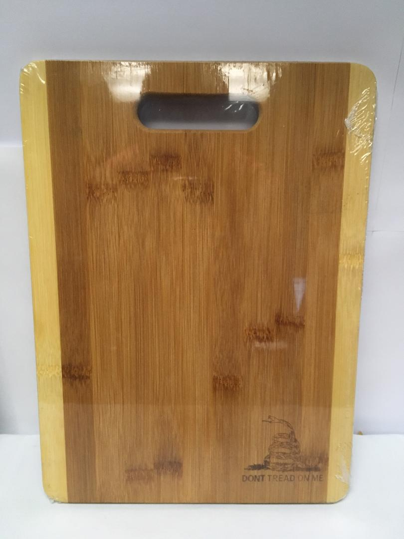 GADSDEN DON'T TREAD ON ME BAMBOO CUTTING BOARD