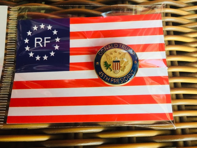 24 DONALD TRUMP 45TH PRESIDENT SEAL LAPEL PINS