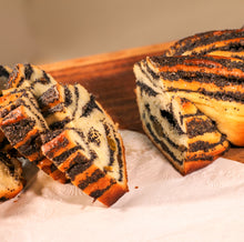 Load image into Gallery viewer, Poppy Seeds Babka Crunch