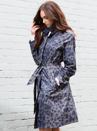 WOMENS 'ANYWHERE' RAINCOAT IN LEOPARD | M-L & L-XL