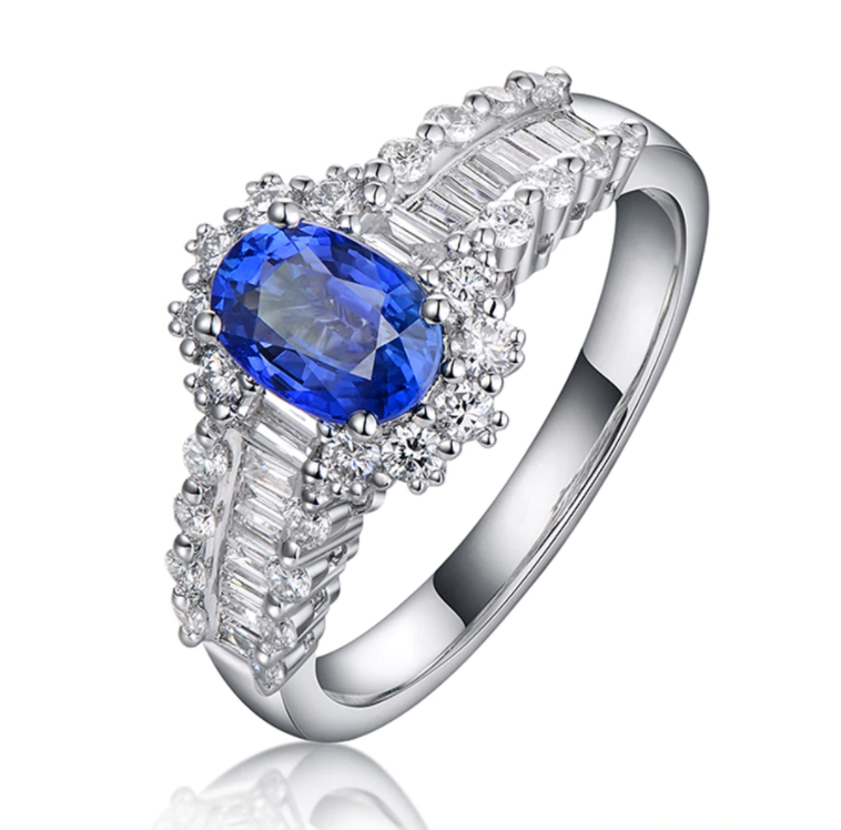 18K White Gold 1.10Ct Oval Sapphire Ring