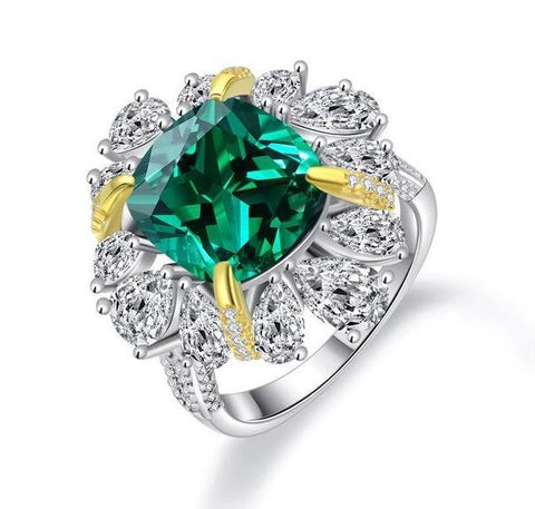 925 Sterling Silver Emerald & Moissanite Ring - Medusa Jewels