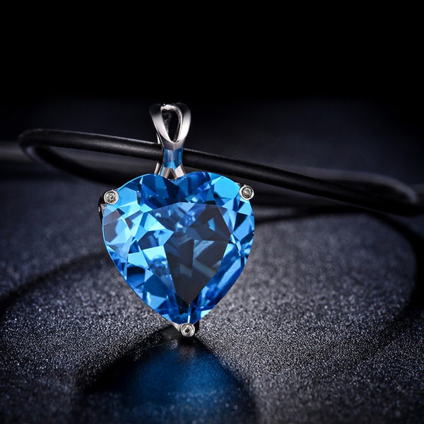 18k White Gold  8.0Ct Heart Blue Topaz Pendant+  9K White Gold Necklace - Medusa Jewels