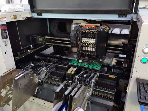 Power supplies in pick and place machine