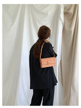 Load image into Gallery viewer, Baguette Bag - Noir.