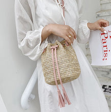 Load image into Gallery viewer, Gaia Woven Straw Bucket Bag - Noir.