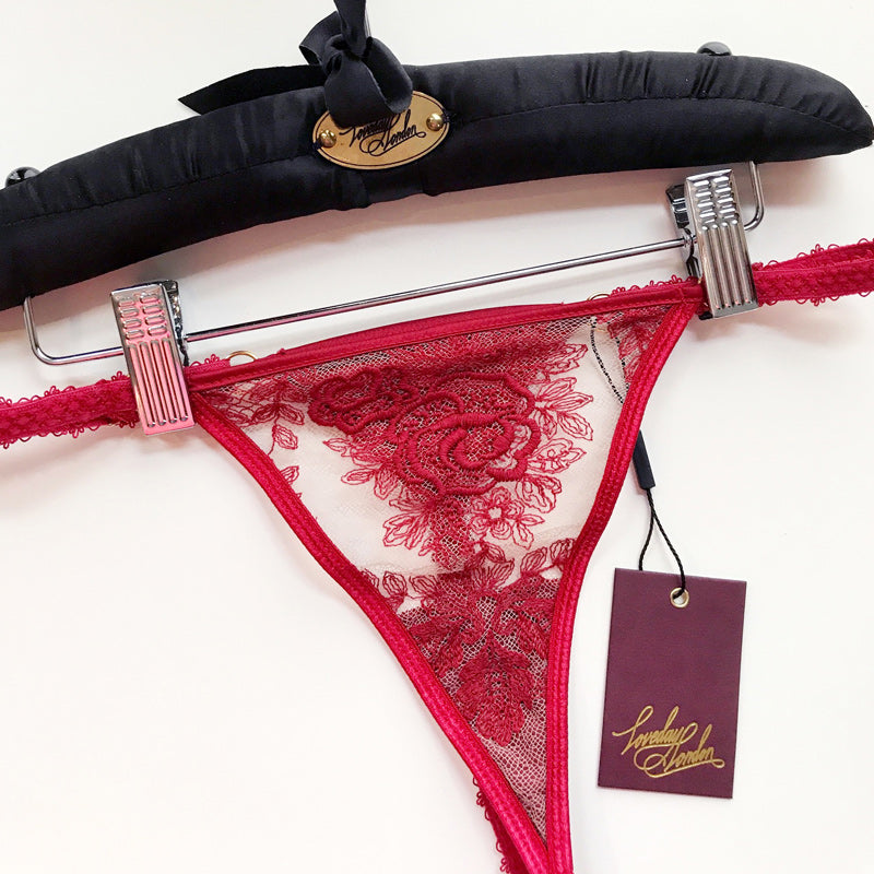 Le Rouge Thong