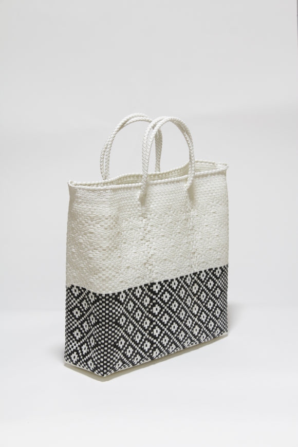 White and Black Half Diamond Bag Mサイズ