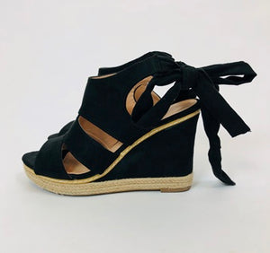 Essential Summer Wedges - chichappensboutique