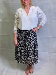 Pleated Animal Skirt - chichappensboutique