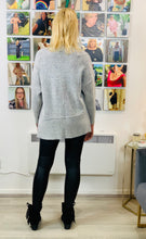 Load image into Gallery viewer, Khost Star Jumper - chichappensboutique