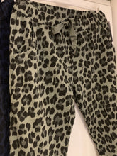 Load image into Gallery viewer, Animal Lounge Pants - chichappensboutique