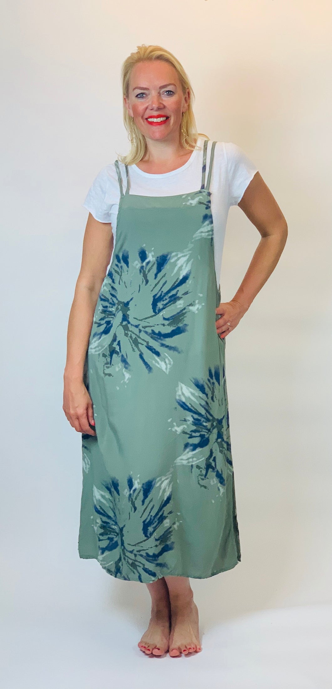 Tie Dye Pinafore with T-shirt - chichappensboutique