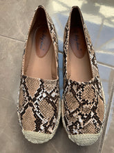 Load image into Gallery viewer, Snakeskin Espadrilles - chichappensboutique