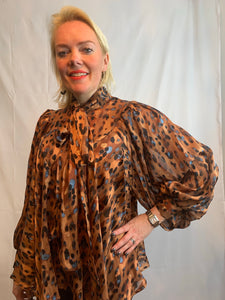 Flared Pussybow Blouse - chichappensboutique
