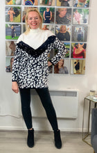 Load image into Gallery viewer, Monochrome Sequin Animal Jumper - chichappensboutique