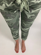 Load image into Gallery viewer, Camo Essential Turn Up Trousers - chichappensboutique