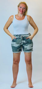 Camo Shorts - chichappensboutique
