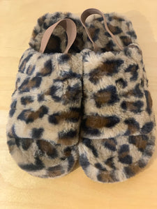 Tongue in Chic Slippers - chichappensboutique