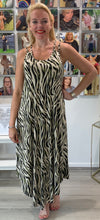 Load image into Gallery viewer, Jungle Tiger Dress - chichappensboutique