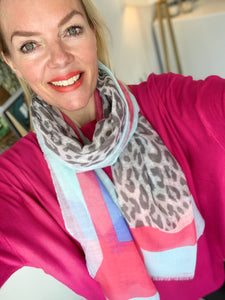 Sunshine scarf with animal (various colours) - chichappensboutique