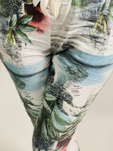 Load image into Gallery viewer, Tropical Print Essential Turn Up Trousers - chichappensboutique