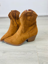 Load image into Gallery viewer, Slouchy Heeled Suede Feel Ankle Boot - chichappensboutique
