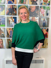 Load image into Gallery viewer, Colour Block Batwing Top - chichappensboutique