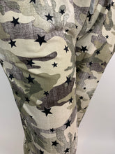 Load image into Gallery viewer, Camo Star Joggers - chichappensboutique