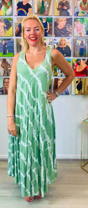 Abstract tie dye v neck sundress - chichappensboutique
