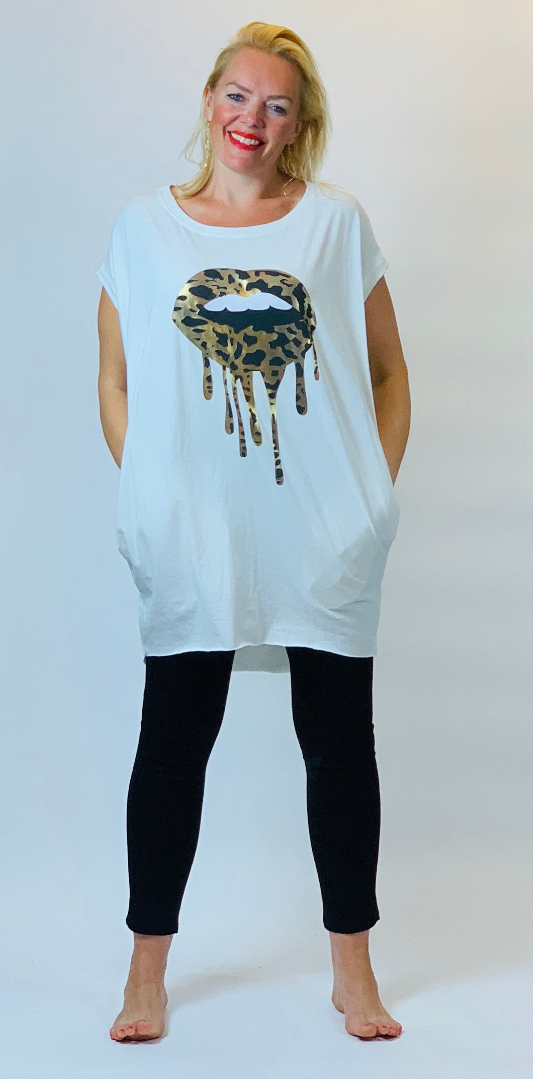 Dripping Leopard Lips Tshirt - chichappensboutique