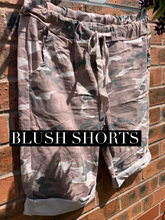 Load image into Gallery viewer, Camo shorts - chichappensboutique