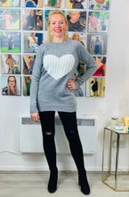 Load image into Gallery viewer, Cable Heart Jumper - chichappensboutique
