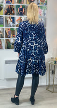 Load image into Gallery viewer, Animal Ink Smudge Tunic - chichappensboutique