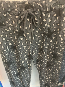 Soft Animal Star Joggers - chichappensboutique