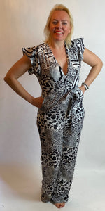 Animal Print Jumpsuit - chichappensboutique
