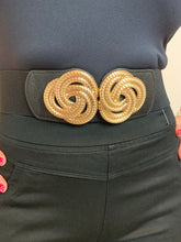 Load image into Gallery viewer, Stretch belt with knot buckle in gold or silver - chichappensboutique