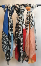 Load image into Gallery viewer, New Animal Scarf - chichappensboutique