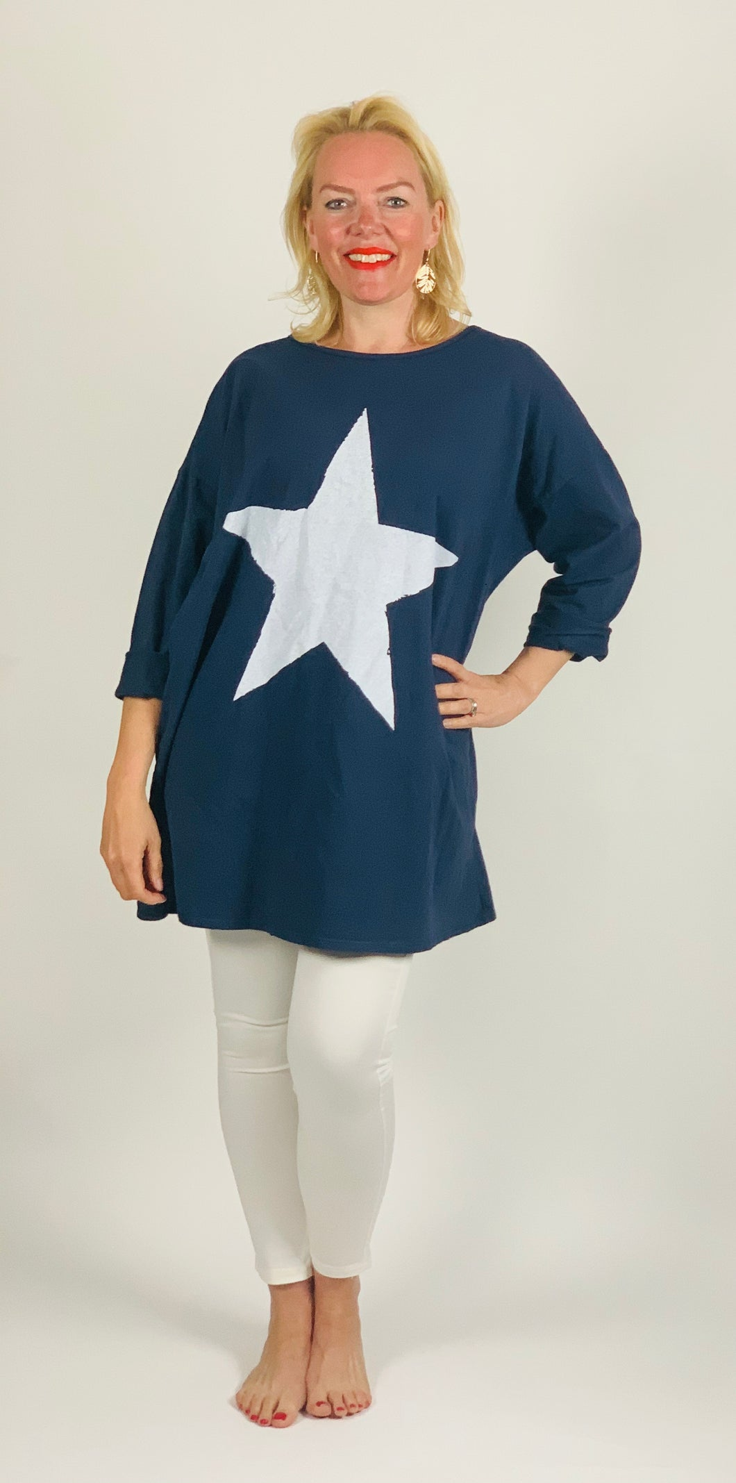 Slouchy Star Sweatshirt - chichappensboutique