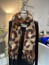 Load image into Gallery viewer, Super Soft Animal scarf (various colours) - chichappensboutique