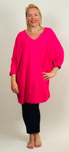Over-sized V-Neck T - chichappensboutique