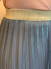 Load image into Gallery viewer, Metallic Sheen Pleat Skirts - chichappensboutique