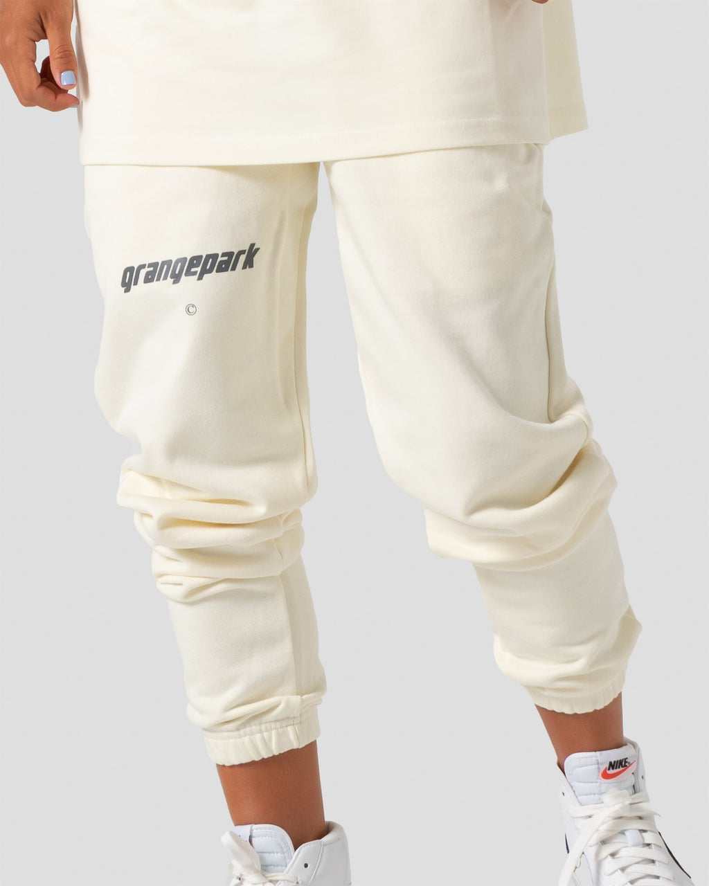 "HIDDEN HILLS - ""CREAM"" SWEATS"