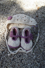 Load image into Gallery viewer, Newborn Baby Bonnet and Shoe Set, crochet baby girl hat and shoe set.