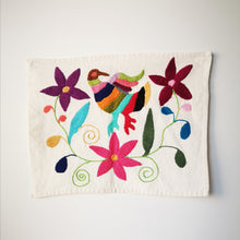 Charger l'image dans la galerie, Otomi handmade embroidered canvas