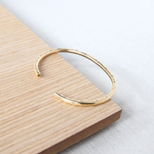Load image into Gallery viewer, gold cuff bangle